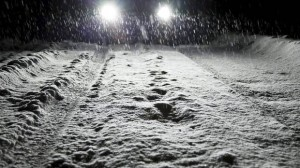 how-to-drive-in-snow-with-dipped-headlights1